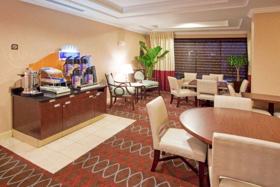 Holiday Inn Express Hotel & Suites Washington DC-Northeast: Enjoy a complimentary full American breakfast