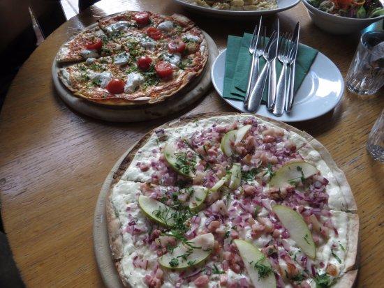 Schwarzwaldstuben: Pizzas excelentes!