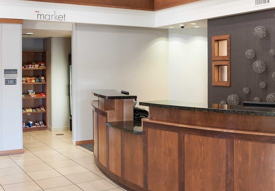 Residence Inn Phoenix North/Happy Valley: Front Desk