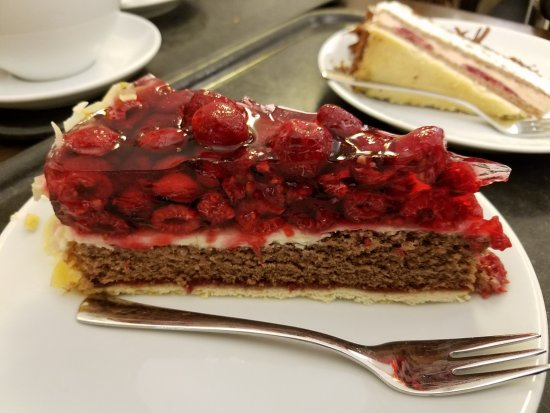 Landsberg am Lech, Germany: Black forest cake