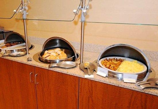 Dothan, AL: Breakfast Buffet