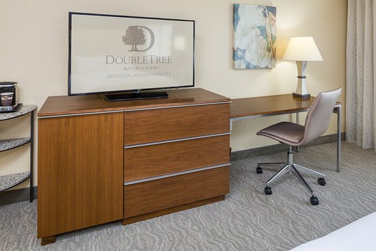 Andover, MA: Complimentary WiFi and large HDTVs in all guest rooms