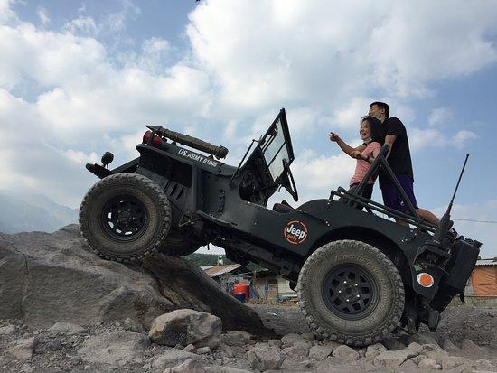 Drivers Village Jeep >> jeep trip at Kaliadem village mount merapi - Foto de