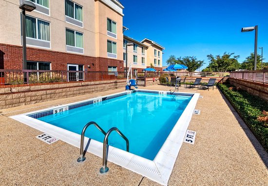 Olive Branch, MS: Outdoor Pool