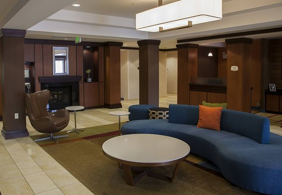 Bedford, PA: Lobby - Seating Area