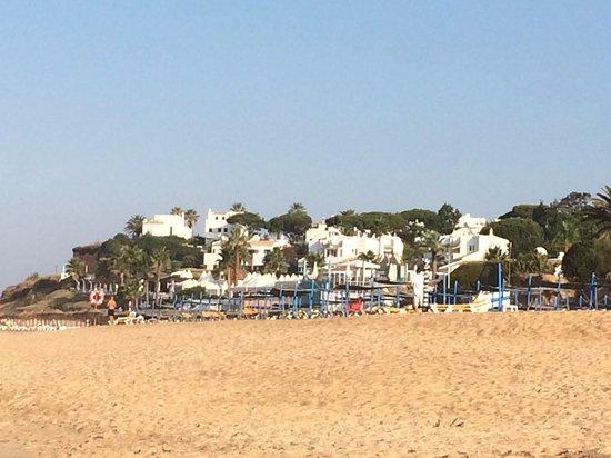 Vale do Lobo, Portekiz: Vale de lobo from the beach