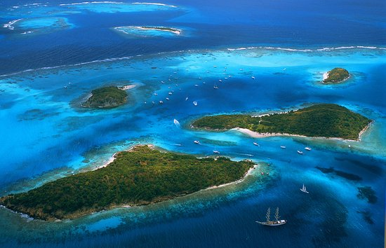 Кануан: Tobago Cays - Aerial View