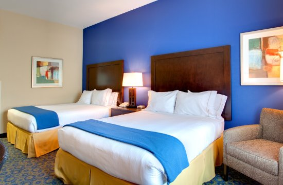 Lake Elsinore, CA: Two Queen Bed Guest Room