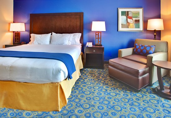Lake Elsinore, CA: King Bed Guest Room