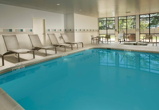 Waldorf, MD: Indoor Pool