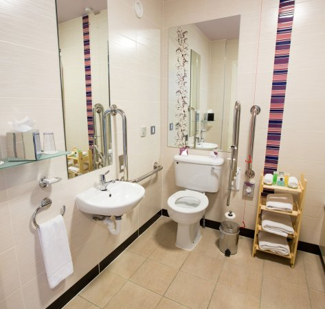Blanchardstown, Ireland: Accessible Bathroom