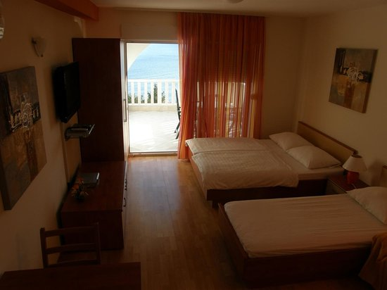 Podstrana, Croatia: Apartment 4 People Sea View