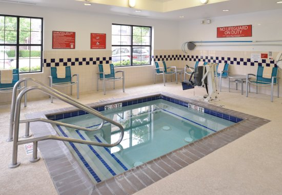 Roseville, Californien: Indoor Hot Tub