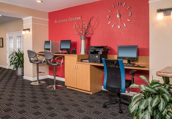 Clinton, MD: Business Center