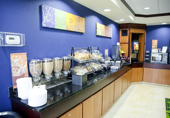 East Peoria, IL: Breakfast Bar