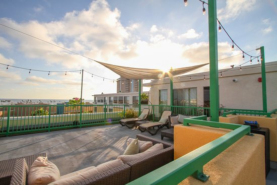 Holiday Inn Oceanside Camp Pendleton Area: Catch the sunset on the observation deck