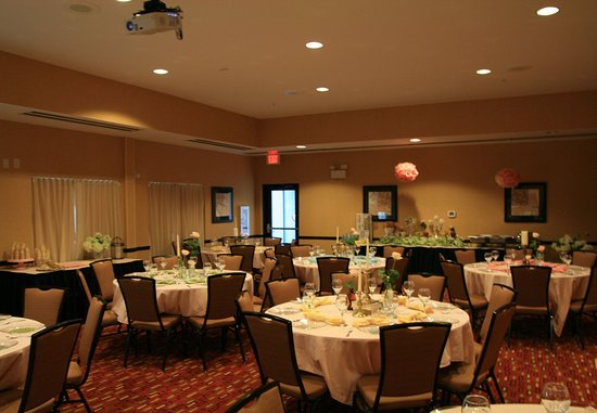 Courtyard Statesville Mooresville/Lake Norman: Meeting Space - Social Event