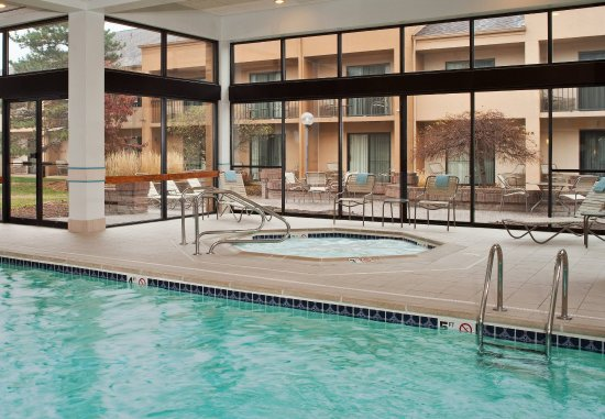 Courtyard Detroit Troy: Indoor Pool & Hot Tub