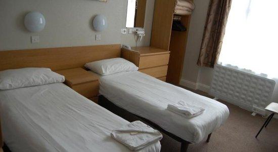 Lords Hotel: En-suite Single