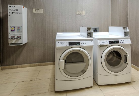 Moore, OK: Guest Laundry