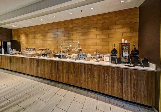 Moore, OK: Breakfast Buffet