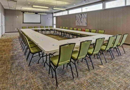 Moore, OK: Meeting Room