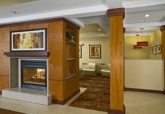 TownePlace Suites Laconia Gilford: Lobby