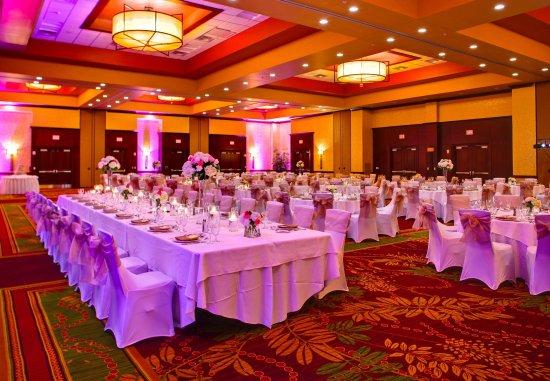 Allen, TX: Cottonwood Ballroom    Wedding Setup