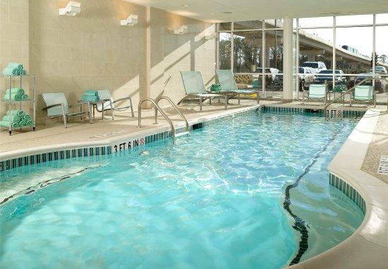 College Park, GA: Indoor Pool