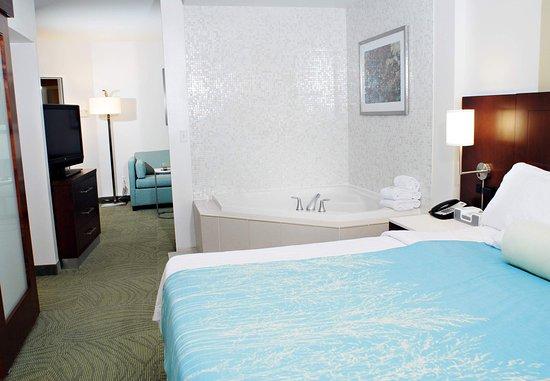 Quakertown, Pensylwania: King Whirlpool Suite