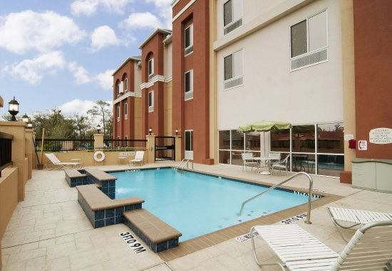 Channelview, TX: Outdoor Pool