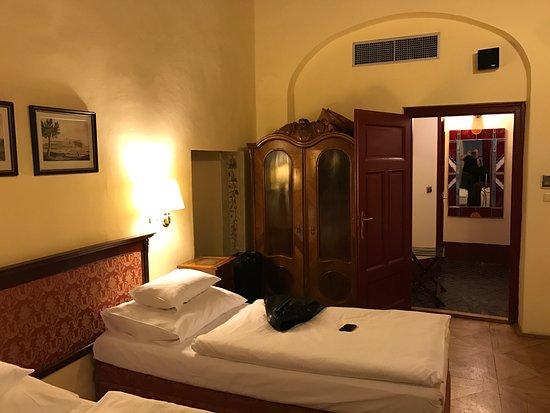 The Charles Hotel: Nice room.