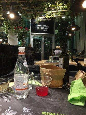 Assago, Italie : Acqua detox