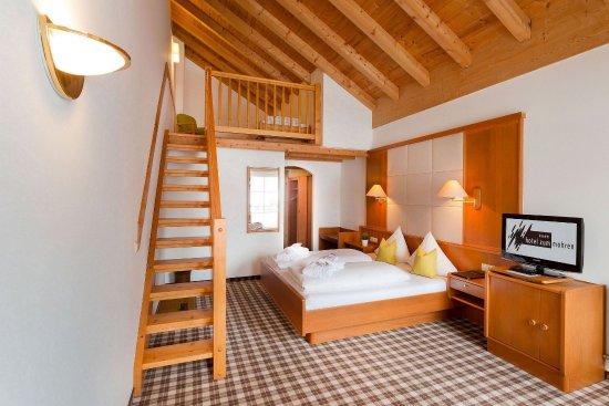 Reutte, Áustria: Four Bed Room Superior Balcony