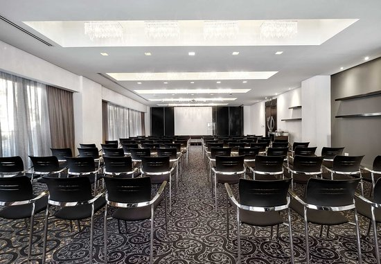 Protea Hotel Fire & Ice! by Marriott Johannesburg Melrose Arch: Meeting Room - Theater Setup