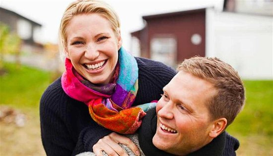 Hampton Inn & Suites McAlester: Couple Piggyback Ride