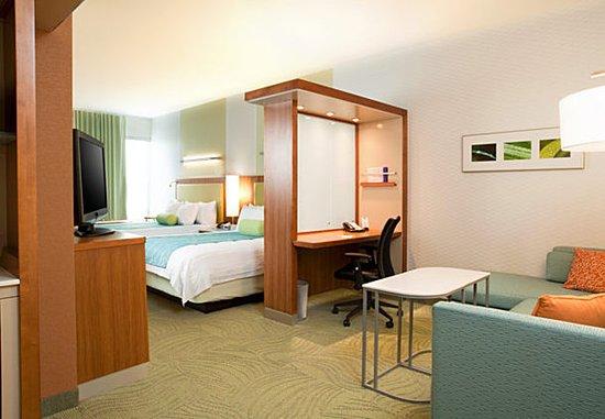 Ridley Park, PA: Double/Double Suite