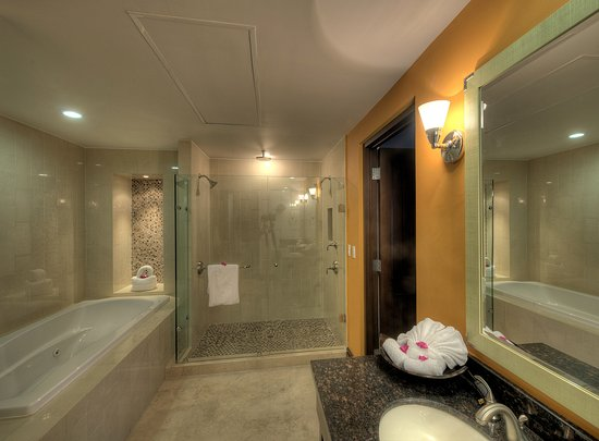 Welk Resorts Sirena Del Mar: POV Bath