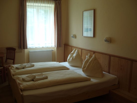 Grundlsee, Autriche : Threebed Room