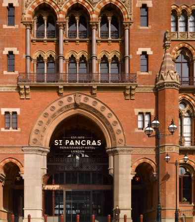 St. Pancras Renaissance Hotel London: Entrance