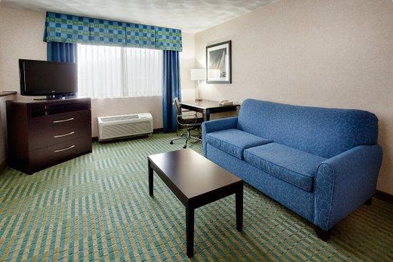 Smithfield, RI: Suite