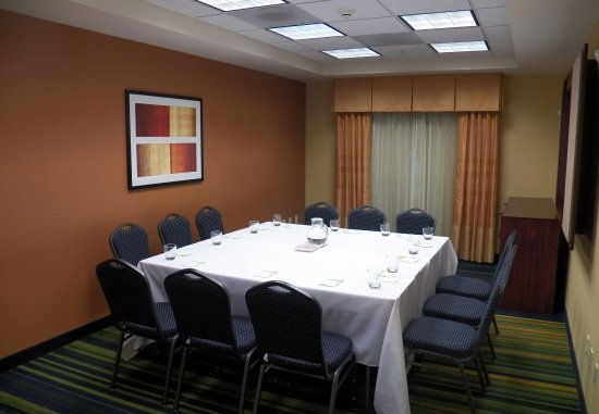 West Covina, CA: Meeting Room    Conference Setup