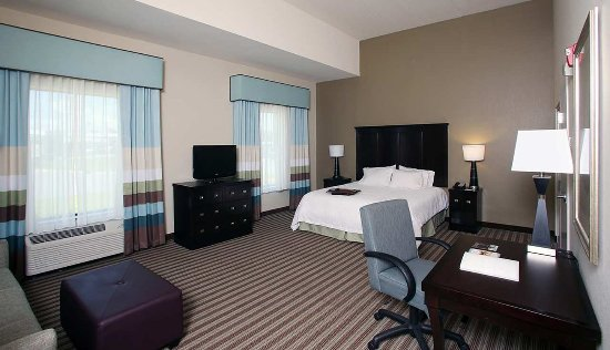 Hampton Inn & Suites Swansboro / near Camp Lejeune at Bear Creek Gate: Accessible Suite
