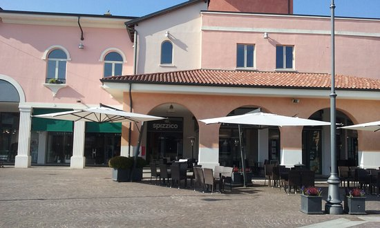7ca3683dd5 I migliori 10 ristoranti vicino a Mantova Outlet Village