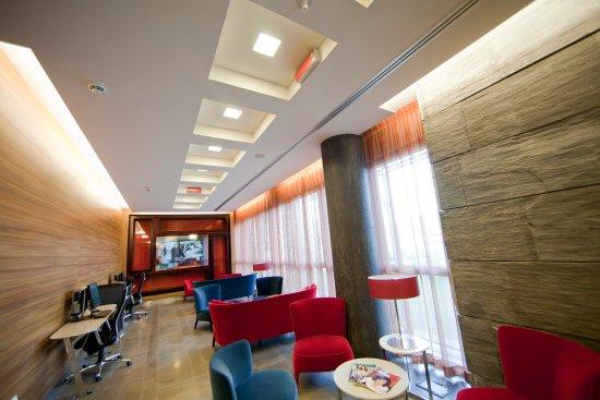 Crowne Plaza Hotel Verona - Fiera: Guest Lounge