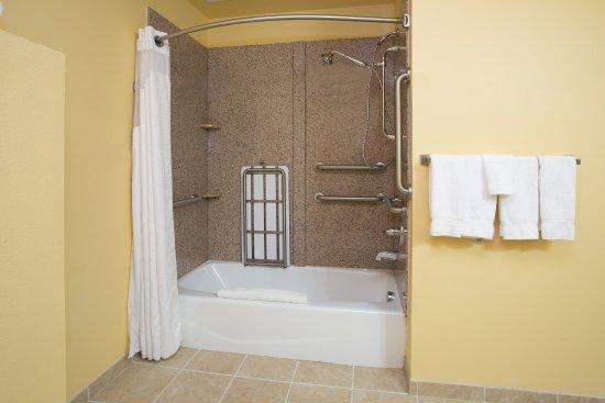 Thornton, Колорадо: ADA Guest Bathroom