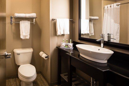 El Reno, OK: Guest Bathroom