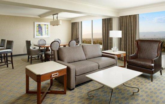 Culver City, CA: Presidential Suite Living Room