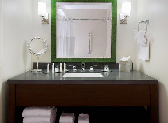 Culver City, CA: Standard Bathroom Vanity