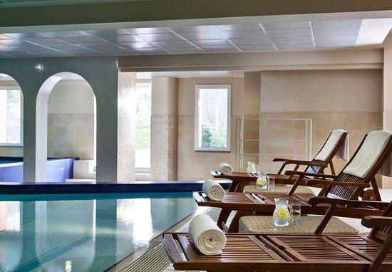 Castelvecchio Pascoli, İtalya: Indoor Pool Deck